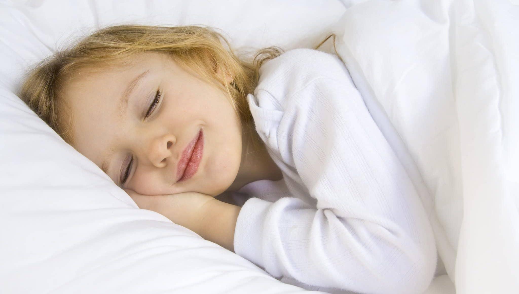 Девочки как преучить ребенка спать всю ночь 96